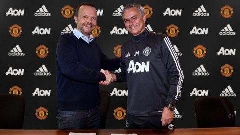 CHÍNH THỨC: Jose Mourinho gia hạn hợp đồng với MU đến năm 2020