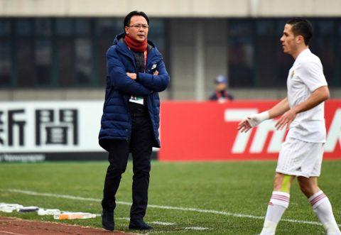 """HLV U23 Malaysia: """"Có chết chúng tôi cũng không dựng xe bus như U23 Việt Nam'"""