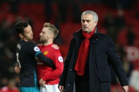 """Mourinho sẽ lại bị """"phản bội"""" như đã từng ở Real Madrid và Chelsea?"""