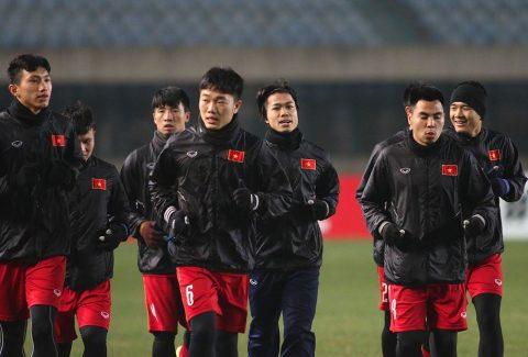 """NÓNG: U23 Việt Nam đón hung tin trước thềm """"đại chiến"""" với Iraq"""