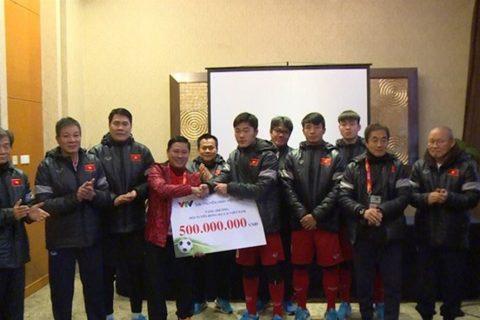 VFF không can thiệp, U23 Việt Nam tự chia 29 tỷ tiền thưởng trước Tết