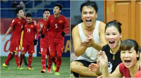 Bố mẹ Quang Hải bật khóc sung sướng trước khoảnh khắc con trai làm nên lịch sử