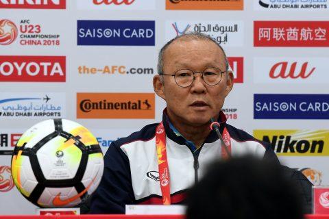 """Sao U23 Việt Nam suýt bị HLV Park Hang Seo """"tẩn"""" ngay tại phòng"""