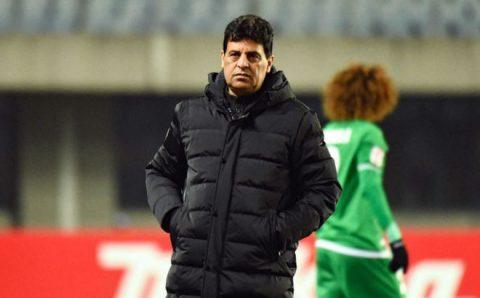 HLV Iraq cay đắng, cúi đầu xin lỗi sau trận thua đau đớn trước U23 Việt Nam