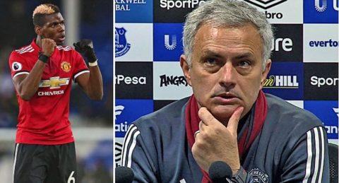 """Thắng trận """"giải vận đen"""", Mourinho buông lời thậm tệ chỉ trích huyền thoại M.U"""