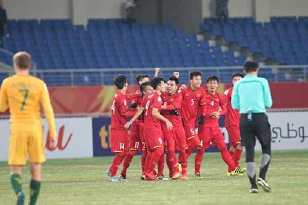"""Quang Hải tung nhát kiếm chí mạng, U23 Việt Nam có chiến thắng lịch sử trước """"ông kẹ"""" U23 Australia"""