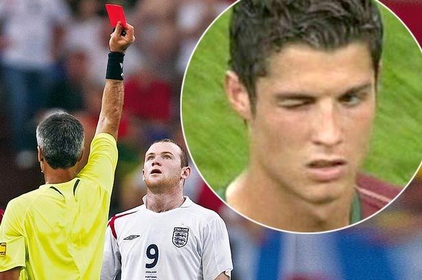 12 năm sau cái 'nháy mắt' chọc tức của Ronaldo, Rooney lần đầu tiên mở lòng chia sẻ