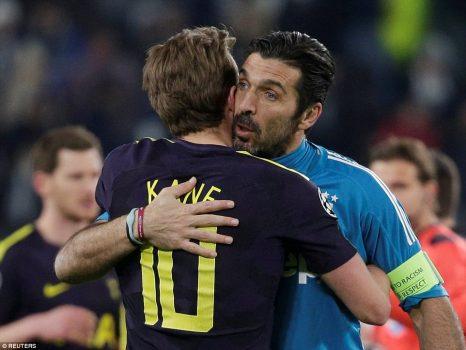 Phá lưới huyền thoại Buffon, Harry Kane vượt mặt Ronaldo, thiết lập 2 siêu kỷ lục khiến cả châu Âu kính nể