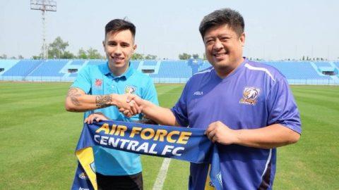 XÁC NHẬN: Theo bước Hoàng Vũ Samson, cựu trung vệ ĐTQG Việt Nam sang Thái League thi đấu
