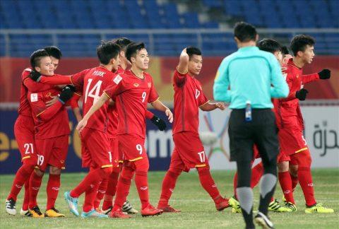Sa sút không phanh, thầy Park gạch tên Văn Toàn khỏi ĐT Việt Nam khiến triệu fan tiếc nuối!