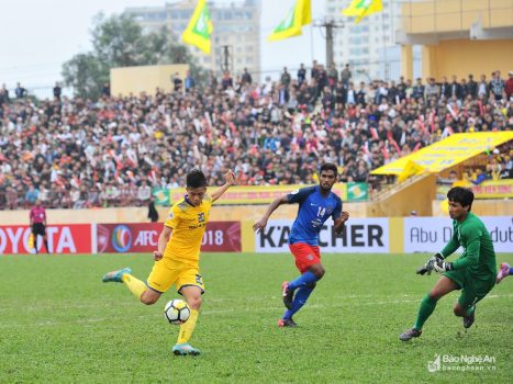 """Văn Đức, Xuân Mạnh tỏa sáng rực rỡ, SLNA thắng oanh liệt """"đại gia"""" Malaysia tại AFC Cup"""