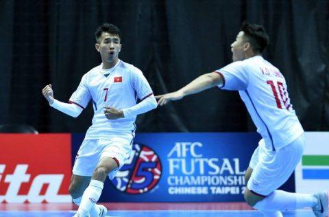Ngược dòng ấn tượng đánh bại Đài Loan, Futsal Việt Nam chính thức giật vé vào tứ kết