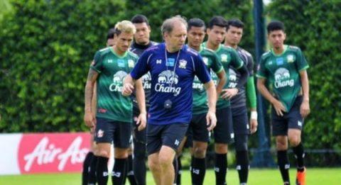 Sau lứa U23, đội tuyển quốc gia Thái Lan lại có nguy cơ thua to trên sân nhà