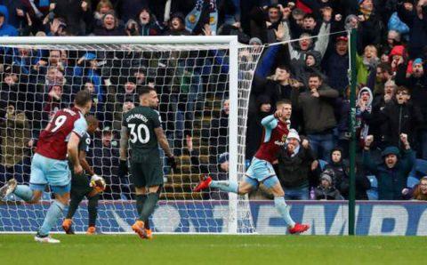 Thi đấu kiên cường, Burnley đập tan giấc mộng giành 3 điểm của Man City vào phút cuối.