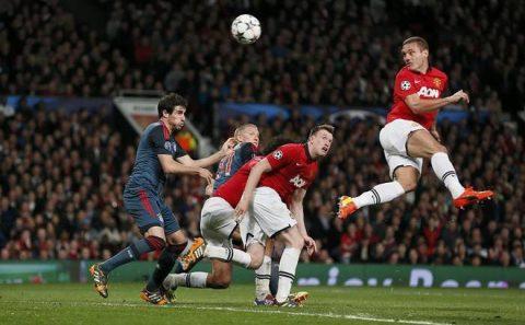 Đừng nghĩ đến Sir Alex, hiện giờ Man United chỉ cần Mourinho làm được như… David Moyes