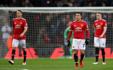 Kỷ lục không thể buồn hơn của Man United trong ngày Sanchez ra mắt