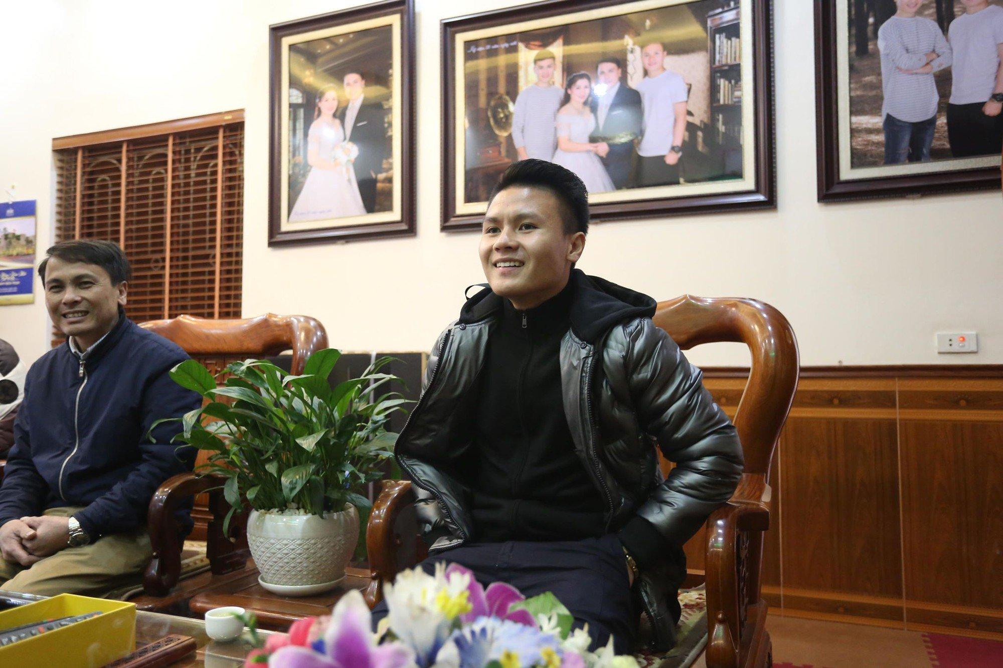 CẬN CẢNH: Những hình ảnh đón Tết cực kỳ ấm áp của các tuyển thủ U23 Việt Nam
