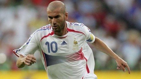 5 cầu thủ quay lại đội tuyển quốc gia sau khi tuyên bố treo giày