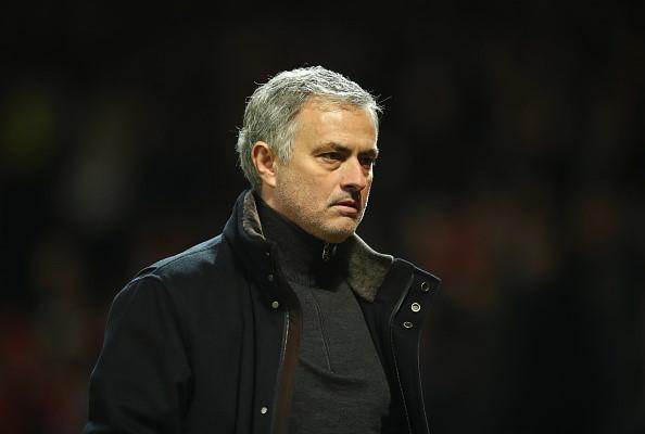QUAN ĐIỂM: Có trao Messi cho Mourinho đi nữa, MU vẫn cứ bạc nhược như thế!