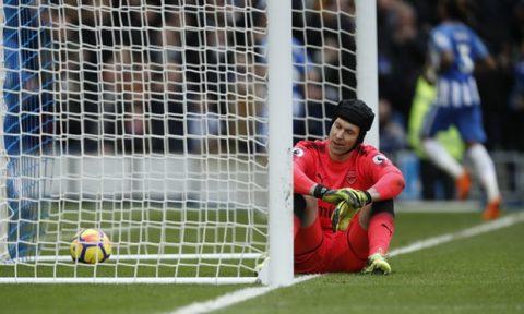 """Arsenal tái lập """"kỷ lục"""" đáng buồn sau 16 năm, """"tội đồ"""" Cech đăng đàn xin lỗi CĐV"""