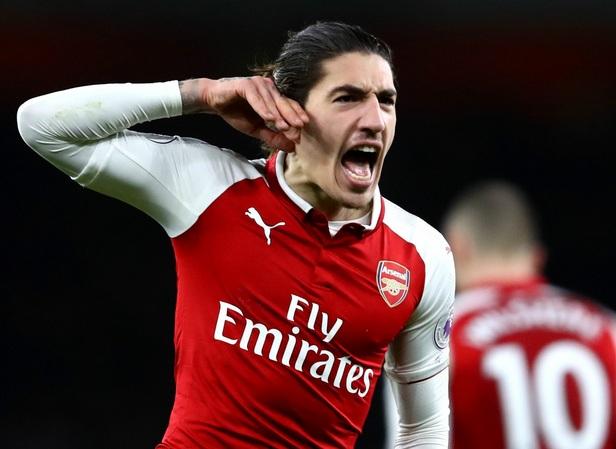 """Hậu vệ Arsenal phục thù người từng chê anh """"thiếu bi"""""""