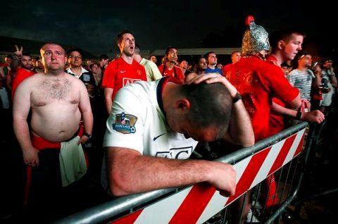 Fans buồn rười rượi khi nghe tin cựu sao Man United tuyên bố giải nghệ vào cuối mùa