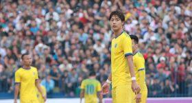 Ở U23 là soái ca miễn bàn nhưng về Thanh Hóa, Tiến Dũng lại xách dép cho mỹ nam đẹp nhất lịch sử V.League này