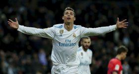 Ronaldo lập poker siêu đẳng, Real vùi dập Girona trong trận cầu mưa bàn thắng