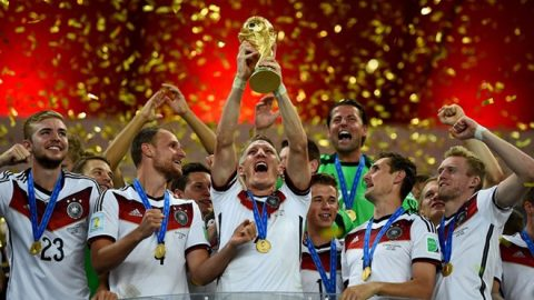 10 ĐTQG vĩ đại nhất lịch sử các kỳ World Cup và EURO: Cho Brazil ăn 7 cái tát, Đức 2014 vẫn chỉ đứng thứ 3
