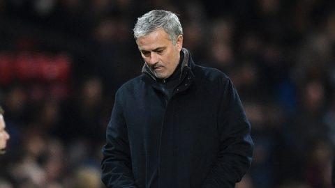 """MU đại loạn: Người hiền lành nhất Old Trafford cũng công khai """"bật"""" Mourinho"""