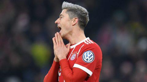 NÓNG: Mâu thuẫn căng thẳng với Hummels, Lewandowski bắt đầu làm loạn ở Bayern?