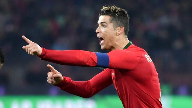 Ở cấp độ đội tuyển, Messi chắc chắn phải hít khói Ronaldo về con số này!