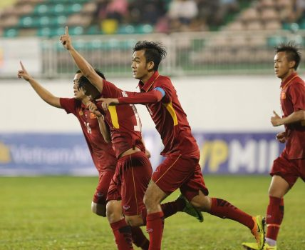 Ngược dòng ngoạn mục trước đại diện Nhật Bản, U19 Việt Nam lên ngôi vô địch bằng sức mạnh tuyệt đối