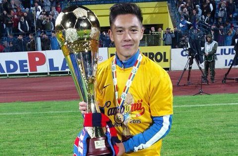 """Cầu thủ gốc Việt dự Champions League từng gây sốc khi """"khinh thường"""" không chịu đá cho ĐT Việt Nam là ai?"""