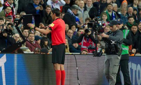 Premier League, Cúp châu Âu đồng loạt nói không với VAR