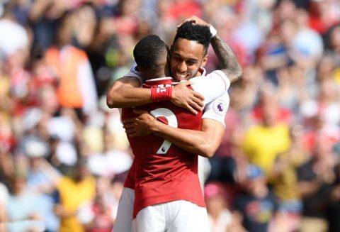 Lacazette lập cú đúp, Arsenal thắng giòn giã West Ham trên sân nhà