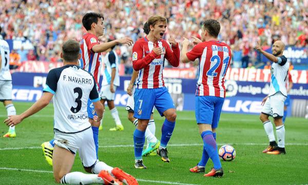 Nhọc nhằn hạ gục Deportivo, Atletico kiên trì bám đuổi Barca