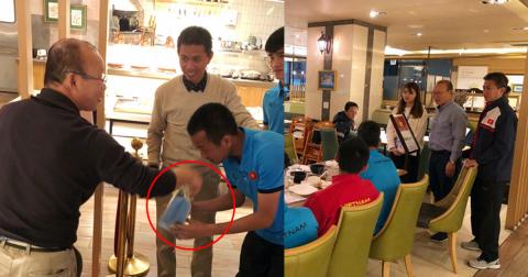Cảm động rơi nước mắt trước cách mà thầy Park chăm lo cho đội U19 Việt Nam những ngày ở Hàn Quốc