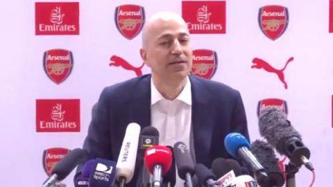 Giám đốc điều hành Arsenal chết lặng 1 tiếng khi Wenger từ chức