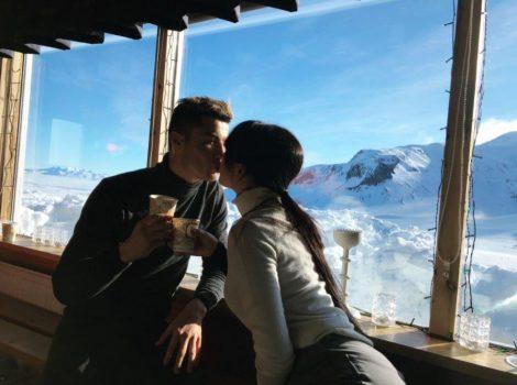 Bạn gái khoe nhẫn đính hôn, phải chăng Cris Ronaldo sắp sửa tổ chức lễ cưới tưng bừng?