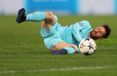 Chưa khỏi bàng hoàng sau thảm bại Olympico, Messi bất ngờ quay sang đổ lỗi cho Man United