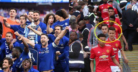 CHÙM ẢNH: Tự tay dâng bàn thắng cho Hazard, cầu thủ MU đổ gục xuống sân bật khóc nhìn Chelsea lên ngôi vương