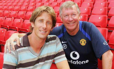 Rơi nước mắt với tình cảm của Van der Sar giành cho Sir Alex trong cơn nguy khó