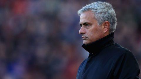 Cầu thủ xuất sắc nhất MU: Mourinho gây sốc khi trao cho cái tên này!