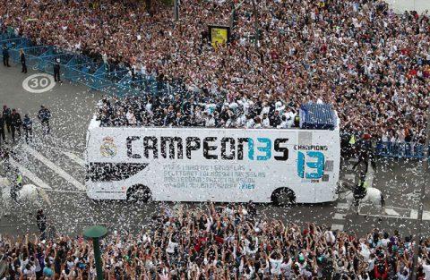 Toàn cảnh màn rước Cúp hoành tráng nhất lịch sử của Real Madrid trước hàng triệu CĐV khiến cả TG choáng ngợp