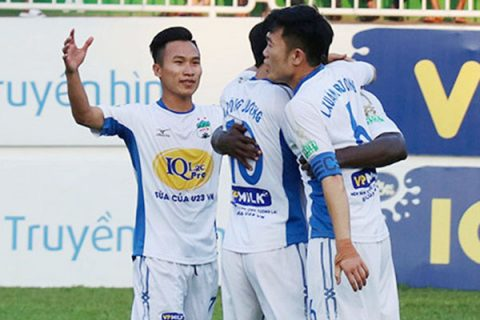 Tái hiện lối chơi tấn công bão táp thời U19, HAGL dìm Văn Đức và đồng đội xuống đáy V.League