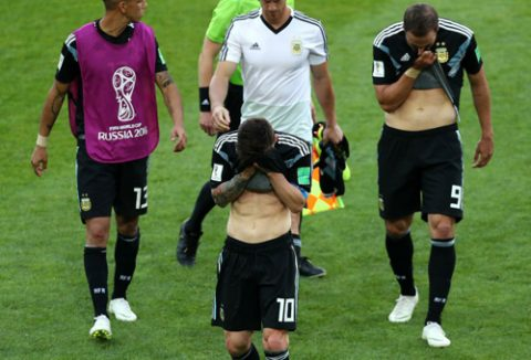 CHÙM ẢNH: Nỗi thất vọng cùng cực của Leo Messi