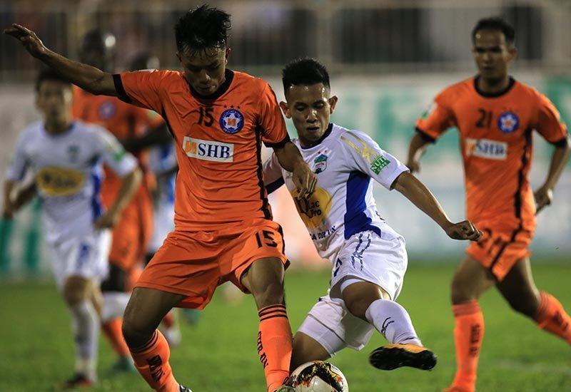Minh Vương có tuyệt phẩm sút phạt đẹp hơn Ronaldo, HAGL vẫn cay đắng thua trận thứ 3 liên tiếp