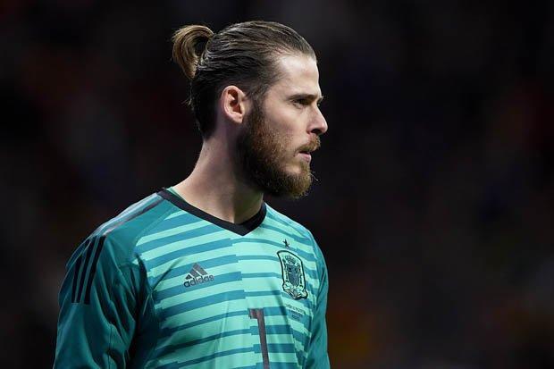 """Từ thánh """"gánh team"""" thành """"thánh phá"""", tất cả bàng hoàng vì De Gea để kiểu tóc ngớ ngẩn này, bảo sao anh sa sút như thế"""