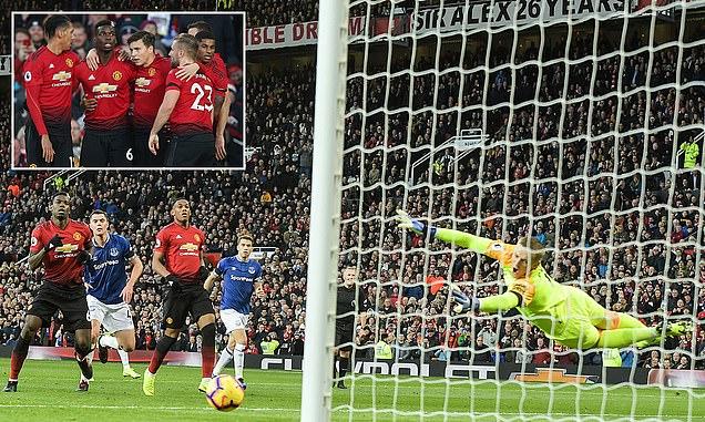 Pogba ghi bàn, kiến tạo và gián tiếp làm tội đồ, MU nhọc nhằn vượt ải Everton ngay tại thánh địa Old Trafford